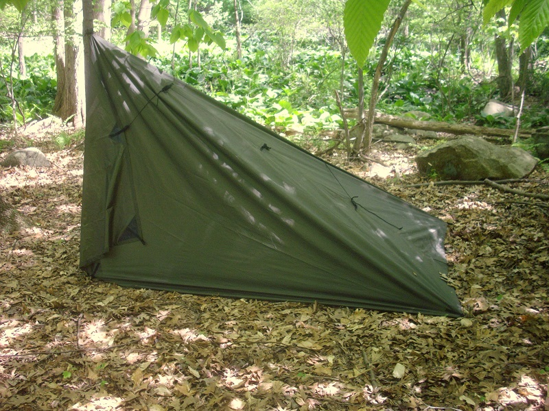 To set up the Summit lay the tarp out on the ground in a square. From the centre tie-out in the back peg the first tie-outs on either side. & 7 Tarp Shelters u2013 The Untrammeled Wild
